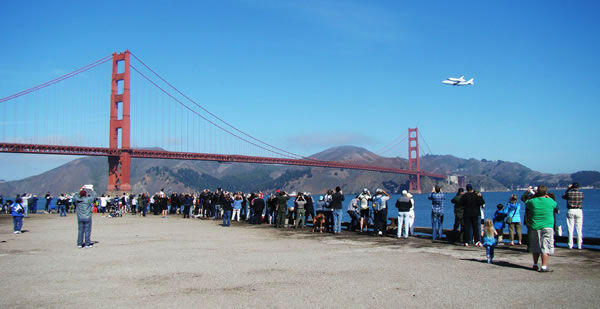 Space shuttle Endeavour made a historic flyover of the Bay Area Friday morning on its way to LA. (Photo submitted by jjtiernan via uReport)