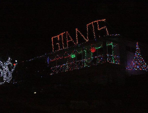 How Giants fans decorate for Christmas! At 39th Ave. and Hacienda in San Mateo.  (Photo submitted by Lynn Marquesen via uReport)