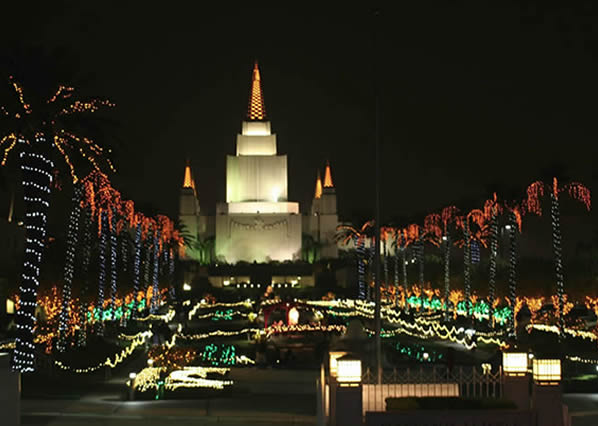 Oakland Temple at Christmas.  (Photo submitted by Nissa Barling via uReport)