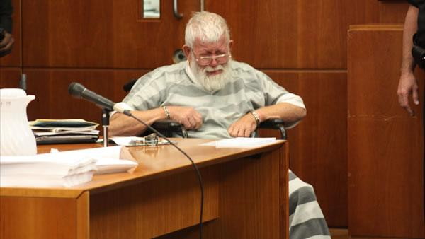 Man confesses to new murder in courtroom outburst