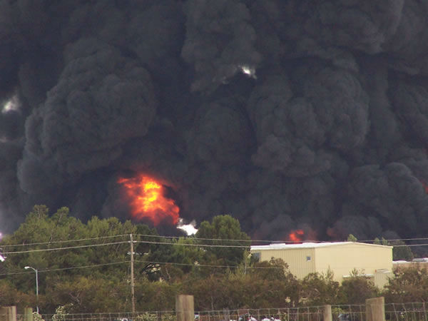 "<div class=""meta ""><span class=""caption-text "">Images from a large smoky fire at a Fairfield plastics plant. (Photo/Kelly Parvin)</span></div>"