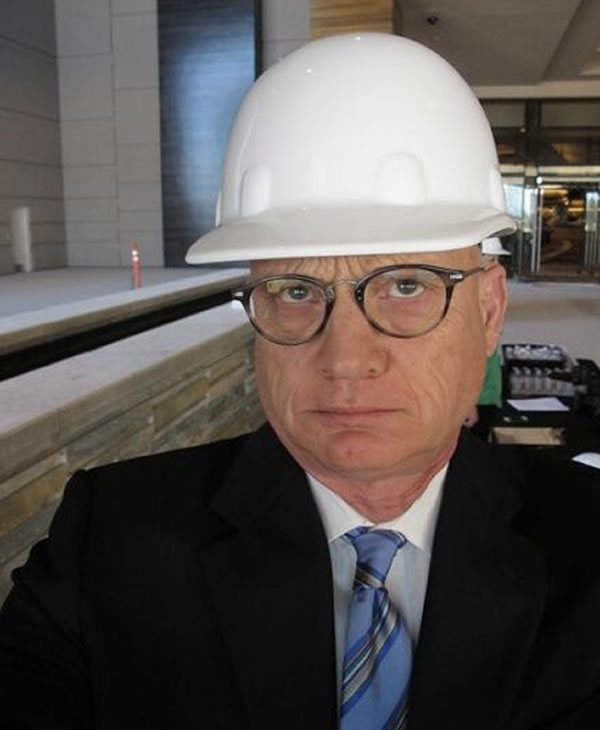 &#34;Graton Casino still a hard hat zone. Reporters love this kind of attire.&#34; via @WayneFreedman <span class=meta>(KGO)</span>