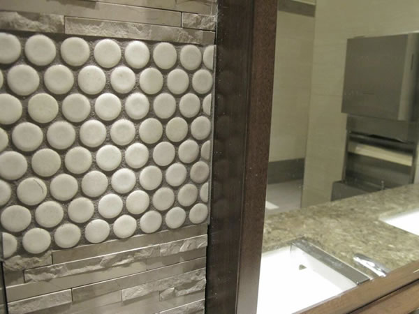 "<div class=""meta ""><span class=""caption-text "">""Sarris is proud of attention to detail, even in restrooms."" via @WayneFreedman (KGO)</span></div>"