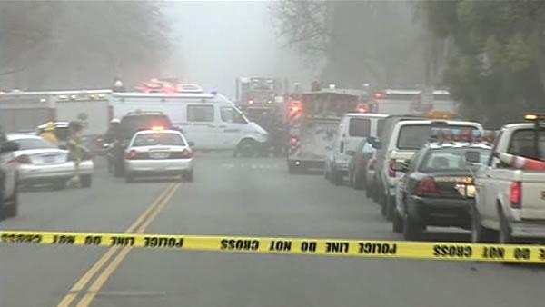 3 killed after plane crashes in East Palo Alto