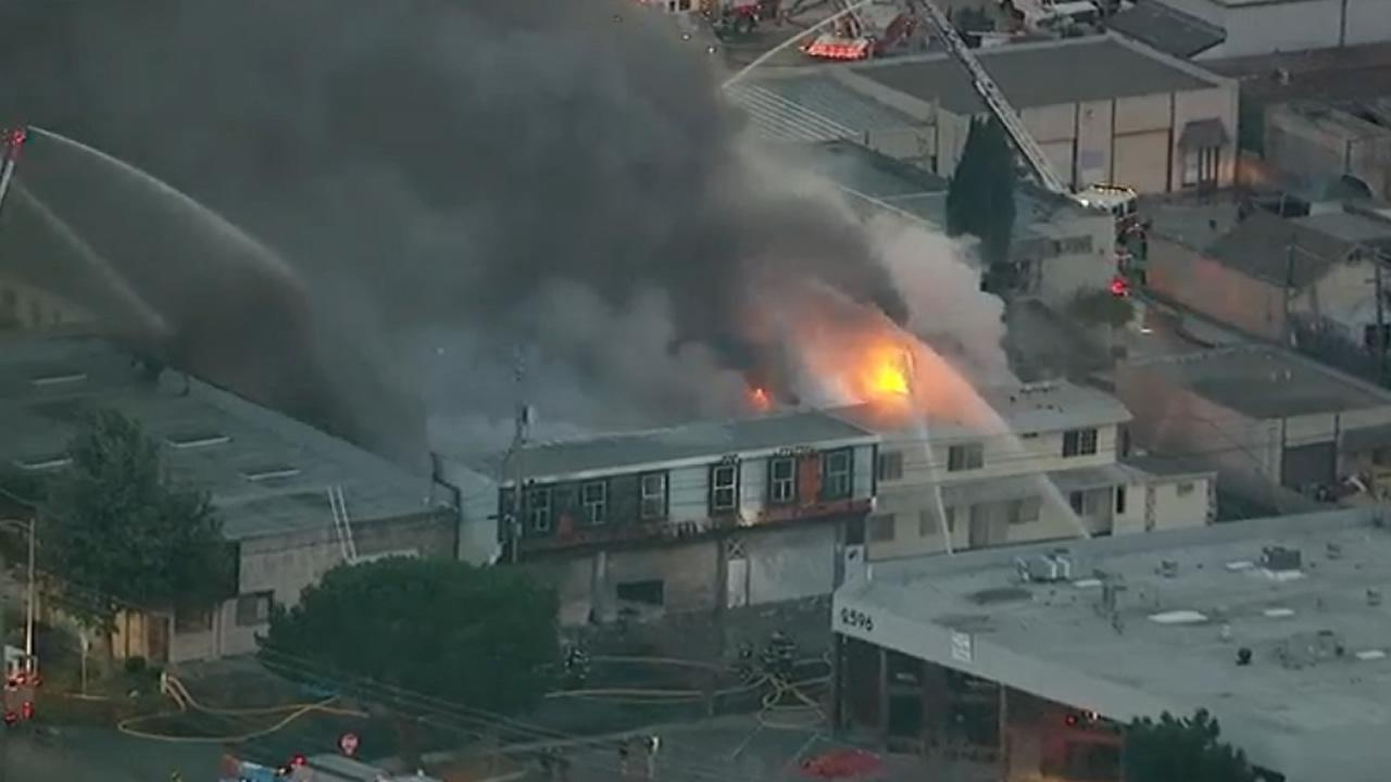 6-alarm fire in Redwood City