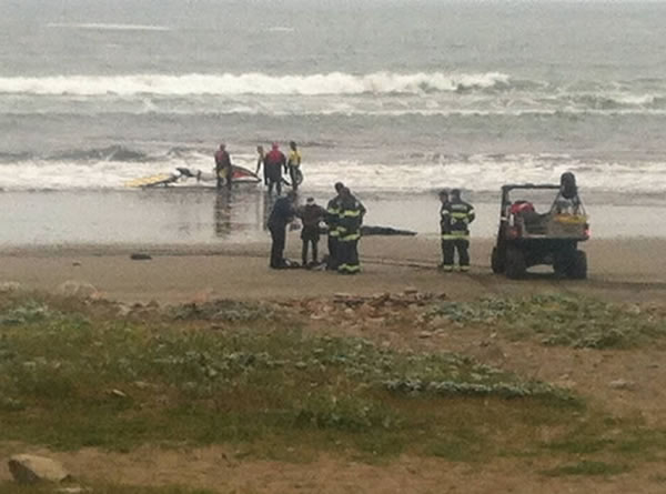"<div class=""meta ""><span class=""caption-text "">Three suspects have been arrested after a stolen 82-foot sailboat ran aground at Linda Mar Beach in Pacifica. Two men and a woman were onboard the $2.7 million ""Darling"" when it was reported stolen from the Sausalito Yacht Harbor.</span></div>"