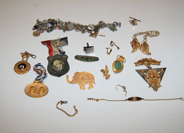 Hillsborough police uncover items that belong to at least 173 victims from all over the Bay Area.