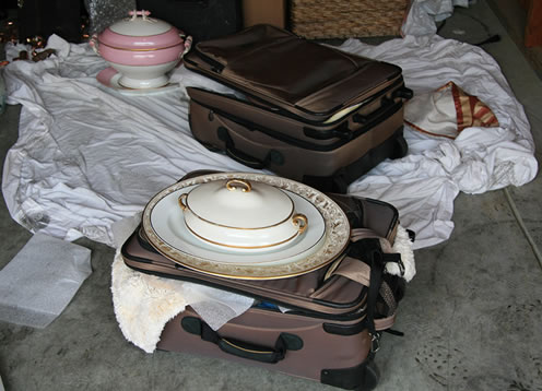 "<div class=""meta ""><span class=""caption-text "">Hillsborough police uncover items that belong to at least 173 victims from all over the Bay Area. </span></div>"