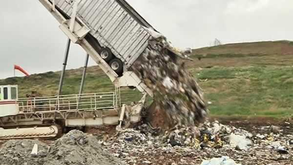 Supervisors approve new Recology waste contract