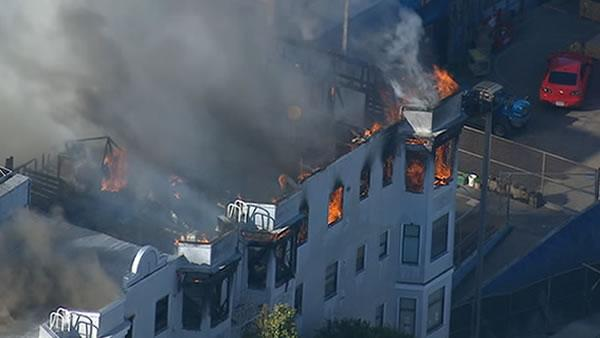 5-alarm fire rips through Western Addition buildings