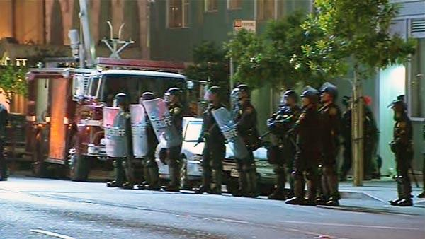 SF police raid building occupied by protesters