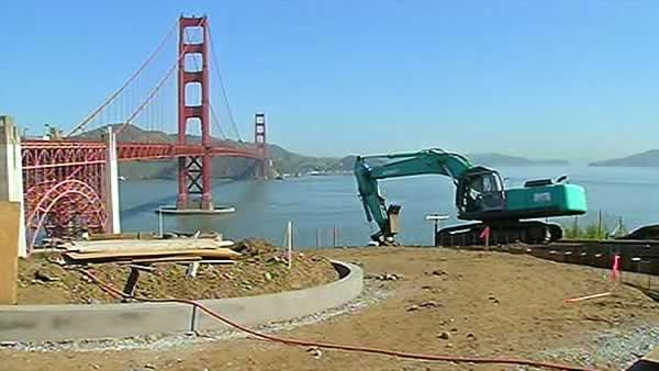 New Golden Gate Bridge pavilion under construction
