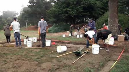 High school students dig up SF history at Lands End.