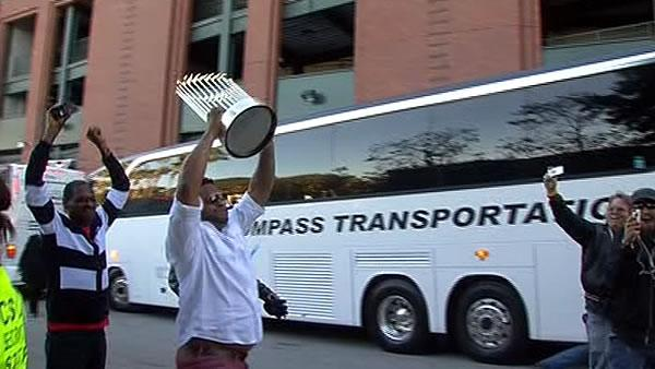 Giants bring World Series trophy back to SF