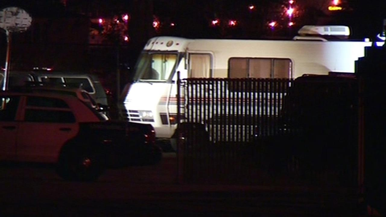 SFPD SWAT in standoff with shooting suspect in RV.
