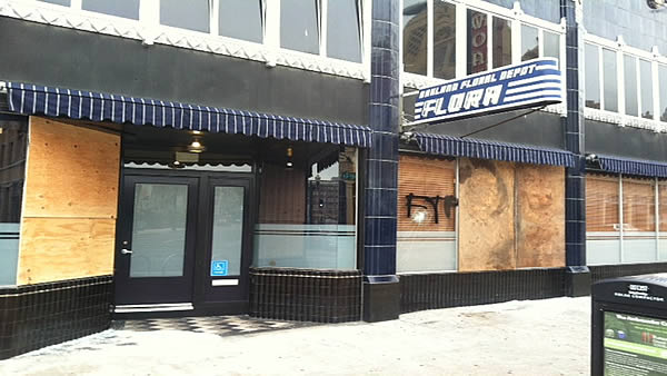 "<div class=""meta ""><span class=""caption-text "">Protesters smashed windows of Flora restaurant in downtown Oakland after George Zimmerman verdict on Saturday. (KGO)</span></div>"
