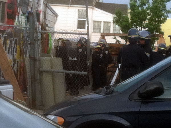 "<div class=""meta ""><span class=""caption-text ""> Several people were arrested when San Francisco police swept out dozens of squatters occupying an empty building in the Oceanview District. (KGO)</span></div>"
