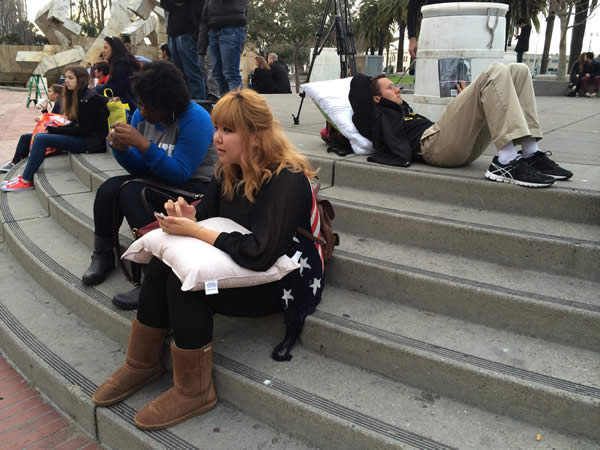 San Francisco&#39;s annual Valentine&#39;s Day pillow fight at Justin Herman Plaza drew a large crowd. February 14,2014. <span class=meta>(KGO)</span>
