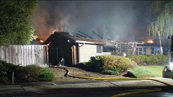 Overnight fire engulfs home in Saratoga