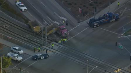 Big rig accident in Santa Clara