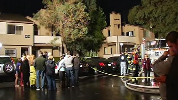 Firefighter injured battling 3-alarm blaze in SJ