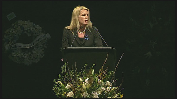 Santa Cruz Mayor Hilary Bryant speaks at memorial for two fallen Santa Cruz officers <span class=meta>(KGO)</span>