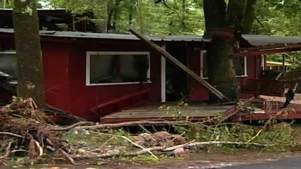 Deadly flash floods sweep Arkansas
