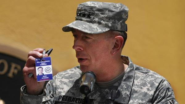 Gen. Petraeus calls for unity in Afghanistan war