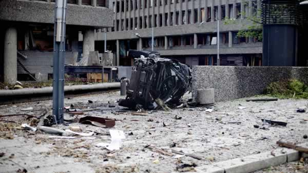 Explosion rocks Oslo gov't HQ; 1 dead but PM OK