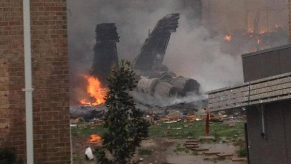 Navy jet crashes into Virginia apartment building