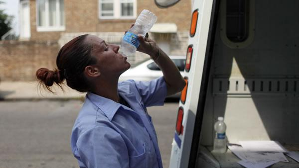 Heat wave bakes half the US; 30 dead