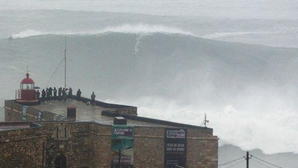 Brazilian man may have surfed world's largest wave