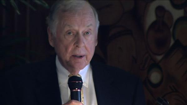 T. Boone Pickens pushes for natural gas