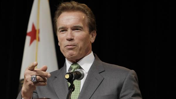 Schwarzenegger blasts big oil over Prop 23
