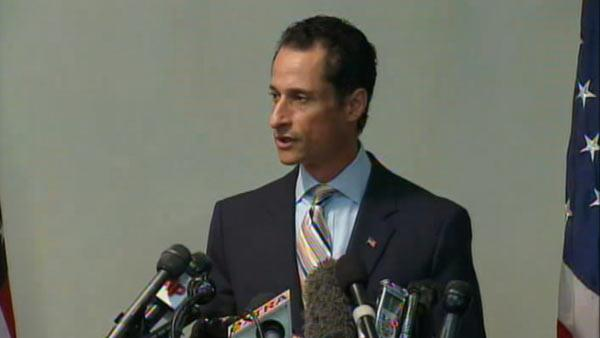Weiner holds news conference to resign