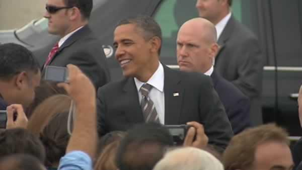 President Obama lands in Mountain View