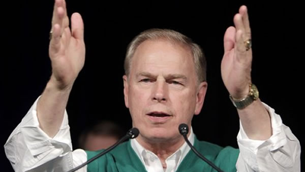 Ohio Governor Ted Strickland thanks supporter during his speech at the Ohio Democratic Party's election night event in Columbus, Ohio, Wednesday, Nov. 3, 2010. Strickland lost to Republican challenger John Kasich. (AP Photo/Mark Duncan)