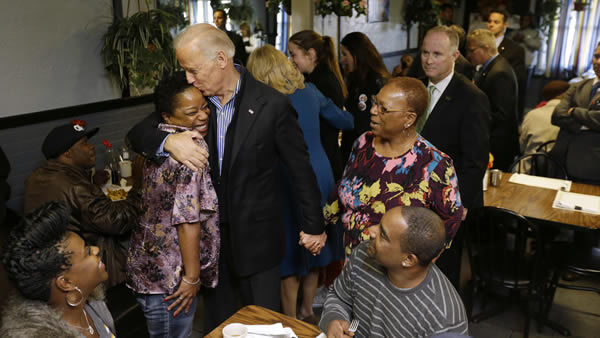"<div class=""meta ""><span class=""caption-text "">Vice President Joe Biden meets with patrons during a visit to the Landmark Restaurant, Tuesday, Nov. 6, 2012, in Cleveland, Ohio. (AP Photo/Matt Rourke)</span></div>"