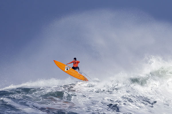 "<div class=""meta ""><span class=""caption-text "">Tyler Fox flies out of a wave during the second heat of the first round of the Mavericks Invitational big wave surf contest Friday, Jan. 24, 2014, in Half Moon Bay, Calif. (AP Photo/Eric Risberg)</span></div>"