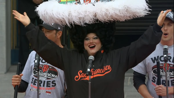 "<div class=""meta ""><span class=""caption-text "">SF Giants World Series celebration at Civic Center Plaza (KGO)</span></div>"