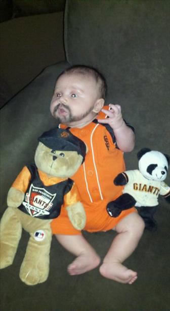 Bay Area baseball fans share their Giants fever!  (Photo submitted by Maribel via uReport)