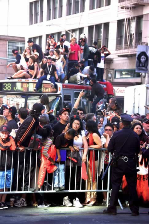 "<div class=""meta image-caption""><div class=""origin-logo origin-image ""><span></span></div><span class=""caption-text"">Photos of the San Francisco Giants celebrating their World Series victory with a parade in downtown.  (Photo submitted by Zachary Hoffman via uReport) </span></div>"