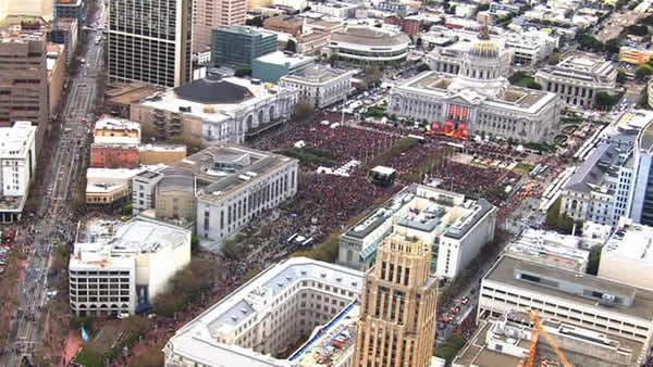 "<div class=""meta image-caption""><div class=""origin-logo origin-image ""><span></span></div><span class=""caption-text""> SF Giants World Series celebration at Civic Center Plaza  (KGO)</span></div>"