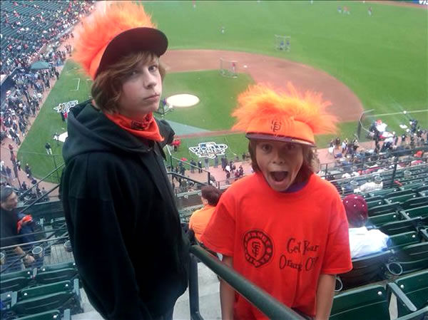 Bay Area baseball fans share their Giants fever!  (Photo submitted by Terry via uReport)
