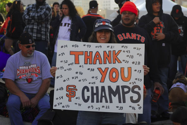 "<div class=""meta ""><span class=""caption-text "">Photos of the San Francisco Giants celebrating their World Series victory with a parade in downtown.  (Photo submitted by Raymond Centeno via uReport) </span></div>"
