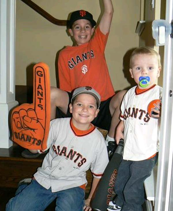 Giants fans show off their fan fever!  (Photo submitted via uReport)