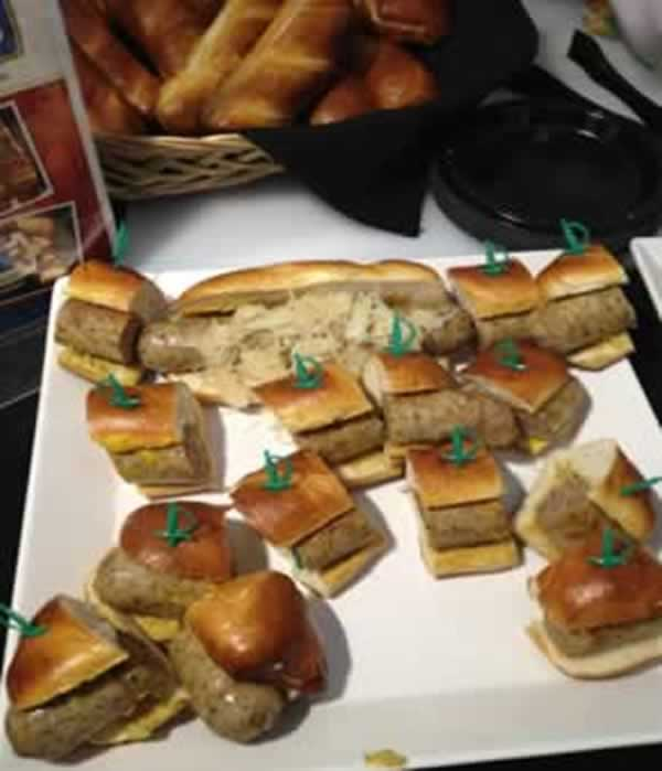"<div class=""meta ""><span class=""caption-text "">There will be lots of new menu items at AT&T Park for the 2014 season. (KGO)</span></div>"