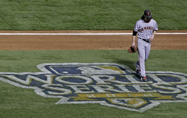 "<div class=""meta image-caption""><div class=""origin-logo origin-image ""><span></span></div><span class=""caption-text"">San Francisco Giants' Tim Lincecum walks off the field after throwing during the third inning of Game 5 of baseball's World Series against the Texas Rangers Monday, Nov. 1, 2010, in Arlington, Texas. (AP Photo/Tony Gutierrez)</span></div>"