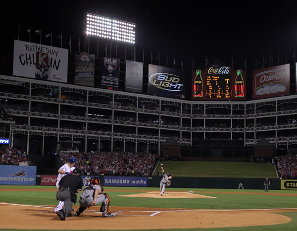 "<div class=""meta ""><span class=""caption-text "">San Francisco Giants' Tim Lincecum throws during the first inning of Game 5 of baseball's World Series against the Texas Rangers Monday, Nov. 1, 2010, in Arlington, Texas. (AP Photo/Doug Pensinger, Pool)</span></div>"