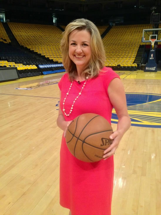 Practicing my free throw ahead of tonight&#39;s Warriors game.  <span class=meta>(@AmyHollyfield&#47;Twitter)</span>